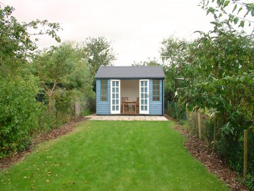 Number 6, The Terrace also has a summer house in the enclosed back garden.