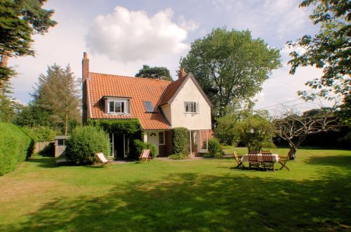 An excellent choice for a family summer holiday or cosy winter break.