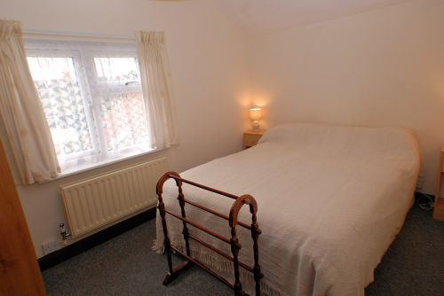 The double bedroom at Lima Cottage